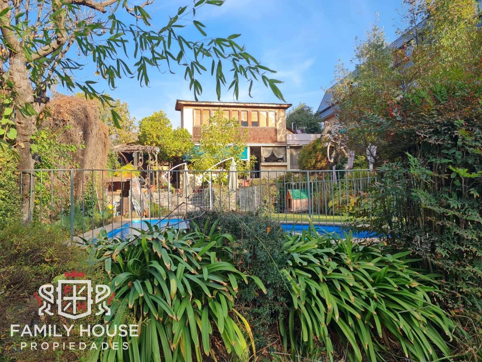 Hermosa y Amplia Casa en Las Condes
